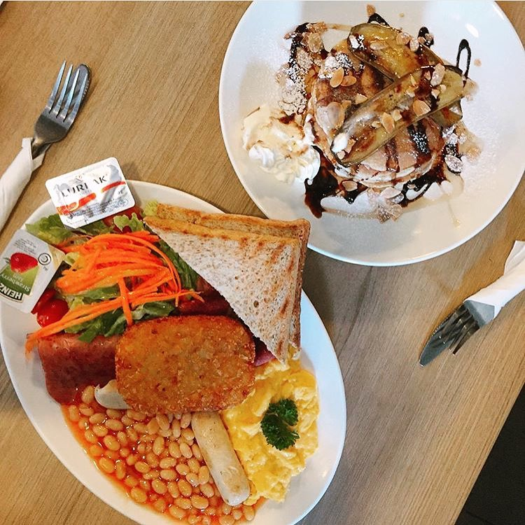 hearty meals at departure lounge
